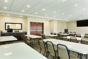 CONFERENCES & SOCIAL EVENTS - Days Inn Lindsay